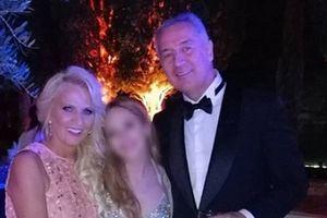 GLAMUR Ovako su Milo Đukanović i njegova supruga izgledali na svadbi sina, za njom su se zbog haljine svi okrenuli