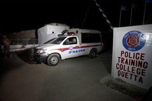 NESREĆA U PAKISTANU Zbog otkazivanja kočnica autobus UDARIO U BRDO, poginule 22 osobe