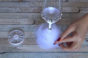 Evo kako da ukrasite čaše za venčanje, a da ne potrošite čitavo bogatstvo