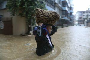POTOP U INIDIJI, BANGLADEŠU I NEPALU Stradalo više od 100 ljudi, a 4,5 miliona EVAKUISANO