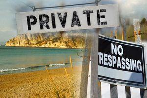 PRAVILA KOJA TREBA DA ZNATE U Grčkoj ne postoje privatne plaže, a evo kakvi su propisi za nošenje sopstvenog SUNCOBRANA, LEŽALJKI I HRANE