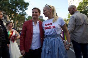 Premijerka Ana Brnabić i njena partnerka stigle na Paradu ponosa