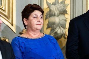Italijanska ministarka zbog plave haljine završila na STUBU SRAMA: Uvrede se samo nižu, a njen odgovor je HIT DANA