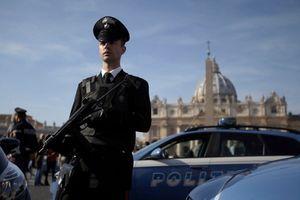 Italijanska policija iselila migrante iz napuštene škole